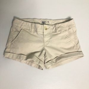 American Eagle low rise cream chino shorts